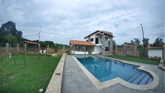 Casa Barrera 20-4457 Mme Mercedes Martinez 04121411153