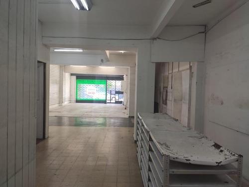 Venta O Permuta, Local Comercial De 140 Metros  Sobre Paysandú Rentado.