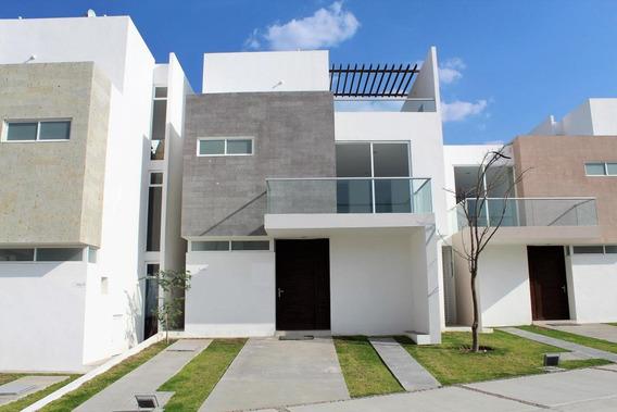 Casa En Venta En Canadas Del Arroyo, Corregidora, Rah-mx-20-686