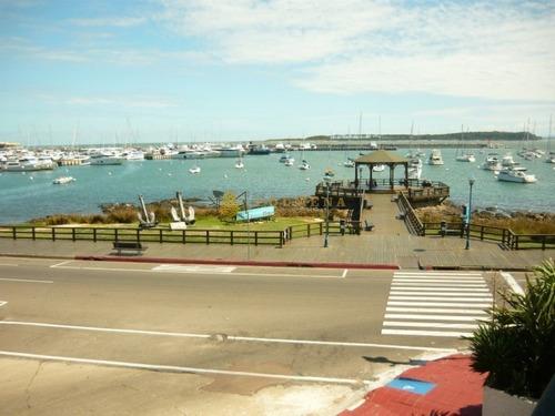 Encantador Departamento Con Vistas Increíbles Al Puerto!- Ref: 2834