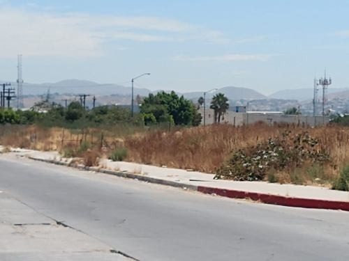 Se Renta Terreno En Esquina En Paseo Del Rio 3a Etapa, Tijuana Baja California