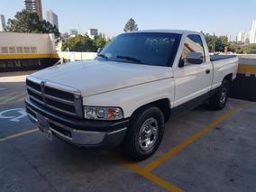 Dodge Ram 1500 V8 - Linda!