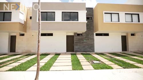 Imagen 1 de 20 de Casa En Venta De 3 Recámaras, Sala De Tv,   Paneles Solares, Av. Urano, Sm329, Av. Huayacán, Cancún