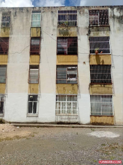 Apartamentos En Venta 04128969771