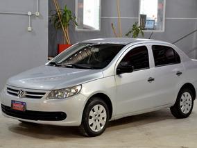 Volkswagen Voyage 1.6 Con Nafta 2010, Excelente Estado