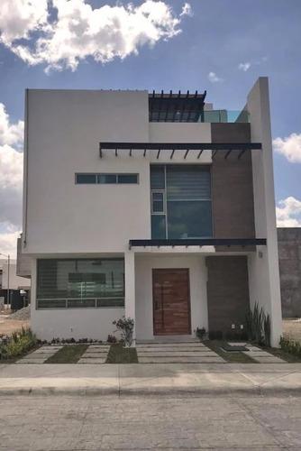 Imagen 1 de 9 de Vendo Casa De Lujo En Monte Olimpo Residencial