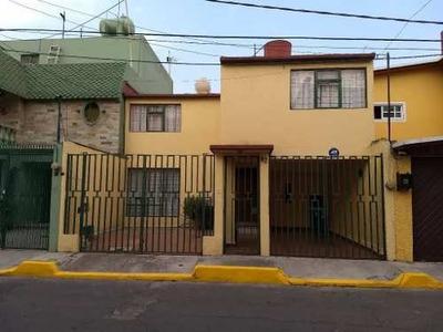 Casa En Paseos De Churubusco A 5 Min De Parque Tezontle