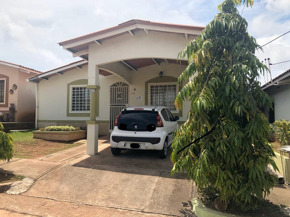 Vendo Casa Hermosa A 5 Minutos De La Autopista En Chorrera-c