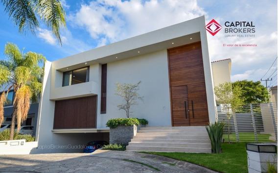 Casa Nueva En Venta En Valle Real En Coto Lujo