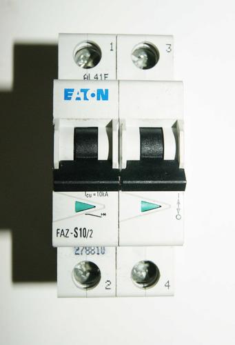 Minibreaker Bipolar Eaton Faz-s10/2  10a Código 01238