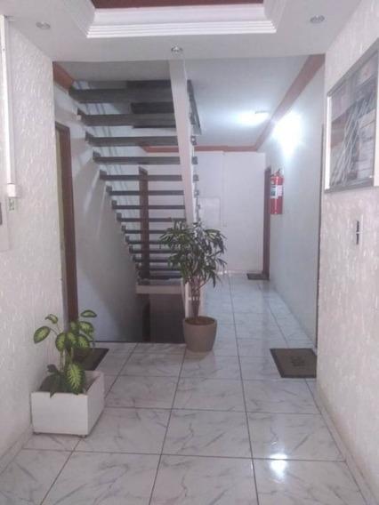 Excelente Apartamento Reformado De 02 Quartos! - Hel779