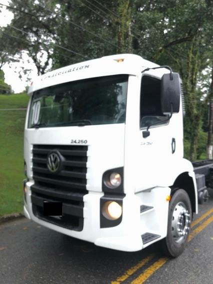 Vw 24-250 Constelation Truck Ano 2010