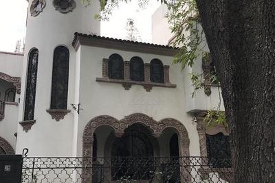 Renta Casa Con Uso De Suelo, Tennyson Polanco (ld)
