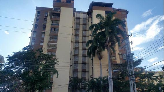 Apartamento En Venta Urb El Bosque Maracay 20-11807 Mv