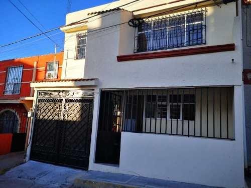Casa En Venta A Una Cuadra De Bulevard Antuñano, Cerca De La Recta A Cholula