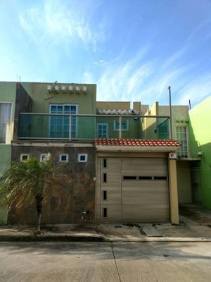 Se Vende Hermosa Casa En Puerto Esmeralda De Coatzacoalcos