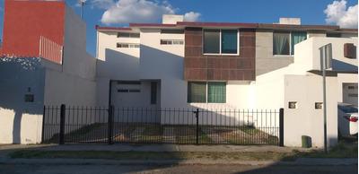 Amplia Casa 3 Recamaras + Estudio Planta Baja