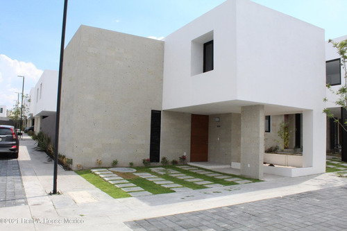 Imagen 1 de 14 de  Zibata Inspira Casa En Esquina Con 3 Recamaras Y 205 Mts2 Qh.211955