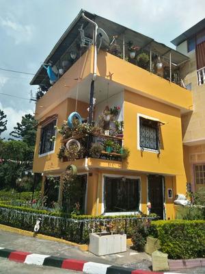Casa Esquinera Mesitas Del Colegio