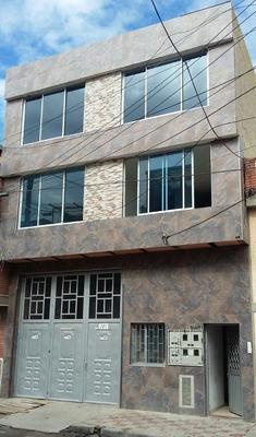 Casa Rentando Con Bodega 8 Aptos Independientes