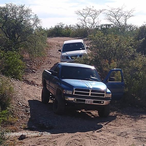 Dodge Ram 2500 5.2 Magnum 4x4