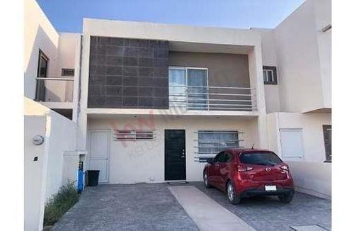 Casa En Renta En El Área De Crecimiento De La Ciudad, Viñedos, Casas En Renta