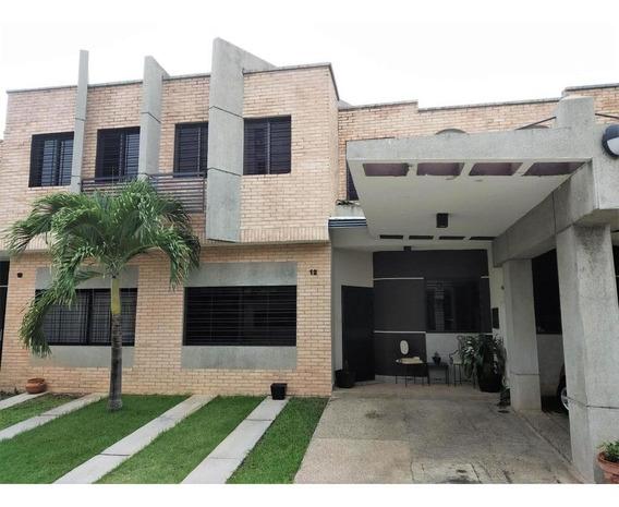 Town House En Venta Los Mangos Valencia Cod 19-11201 Ar