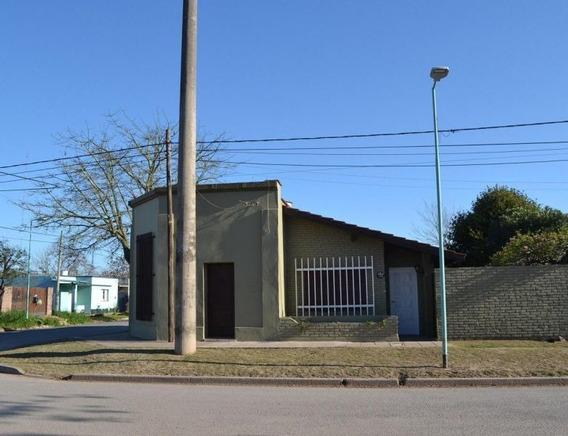 Casa En Venta En Capitán Sarmiento