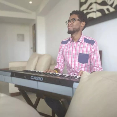 Clases De Piano, Canto, Guitarra Online