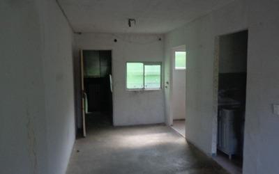 Apartamento Pequeno A Venda Na Cidade Tiradentes
