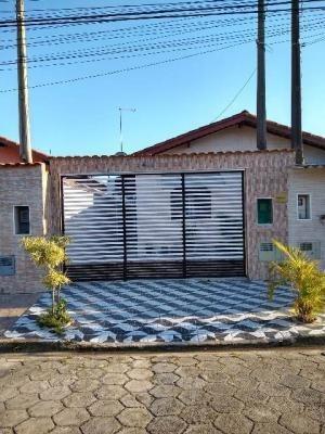 Casa Em Itanhaém Com 2 Quartos - 5554