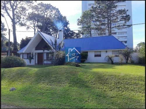Casa En Venta, Playa Mansa, Punta Del Este- Ref: 832