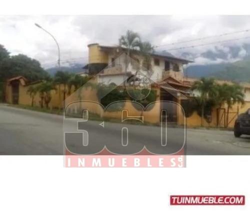 Imagen 1 de 8 de Casa En Venta. Urbanización La Mata Av. Principal