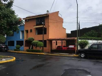 Venta De Residencia Al Sur De La Ciudad, Precio A Negociar.