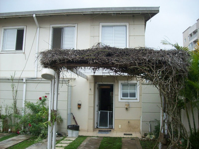 Sobrado À Venda 3 Dormitórios Condomínio Suzano Sb-0024