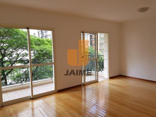 Apartamento Em Excelente Localização, 110 M², 3 Dormitórios, Sendo 1 Suite E 2 Vagas. - Bi4711