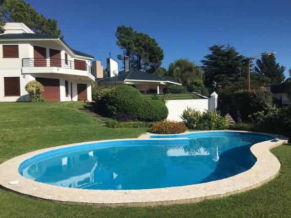 Complejo De 3 Casas En Venta En Costa Azul - Carlos Paz. Al Lado Del Lago