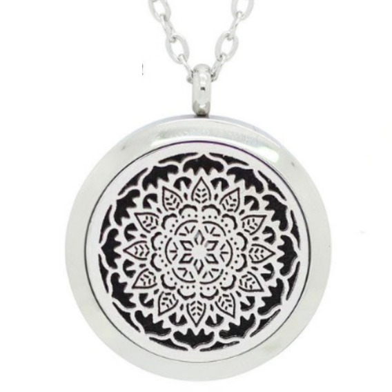 Colar Difusor Aço Inox Aromático Cor Prata Mandala