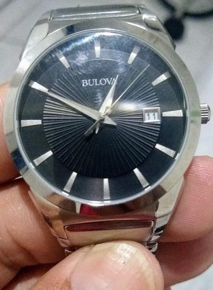 Relógio Masculino Bulova Com Pulseira De Aço Inoxidável.