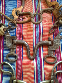 Três Freios De Cavalo Antigos