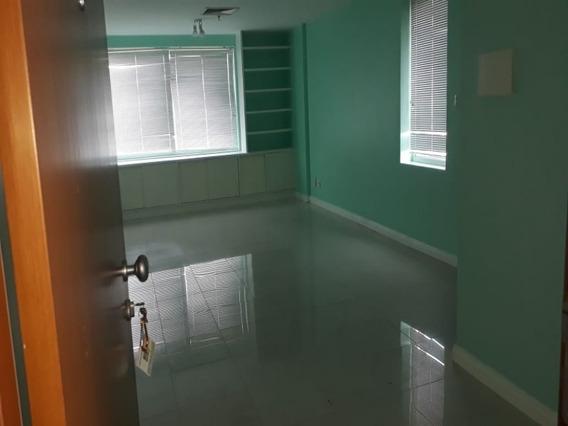 Salvador Trade Center Sala Comercial Para Aluguel 33m2 No Caminho Das Arvores - Sfl425 - 68303775
