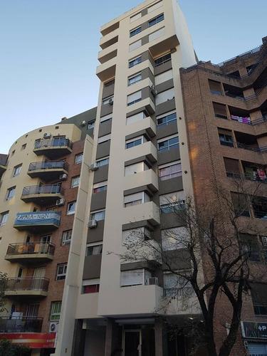 Se Vende Piso En Pleno Nva Córdoba, 222 Metros Cuadrados