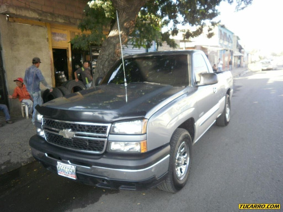 Chevrolet Silverado Pick Up Automático