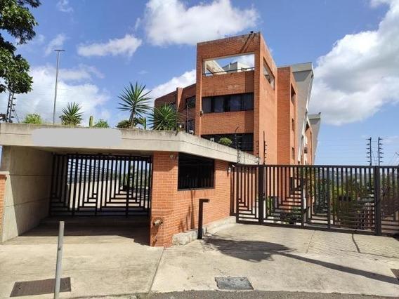 Apartamentos En Venta Urb Miranda 20-13563 Rah Samanes
