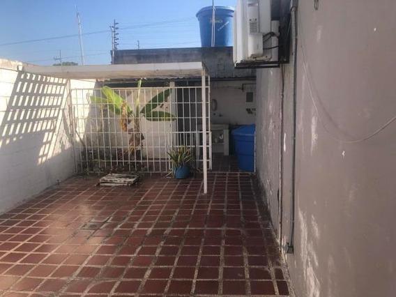 Casa En Venta En Cabudare Valle Hondo, Al 20-3855