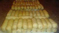 Pasapalos, Mini Tequeños Dulces Y Salados Y Mini Pastelitos.