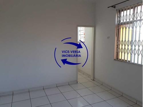 Imagem 1 de 15 de Amplo Apartamento, Tipo Casa, Com 56 M², Sala E Quarto Com Quarto De Empregada - 1370