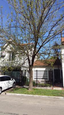 Casa 4 Amb, 2 Plantas, Jardin, Piscina , Quincho Y Garage.