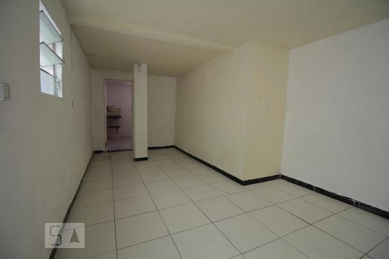 Casa Para Aluguel - Quitaúna, 1 Quarto, 40 - 893045839