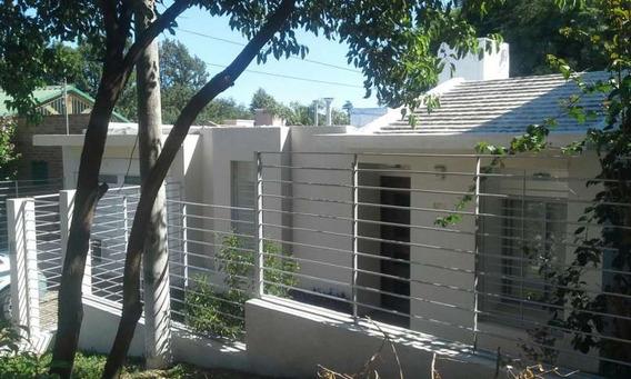 Casa En Venta De Tres Dormitorios Barrio Cerro De Las Rosas
